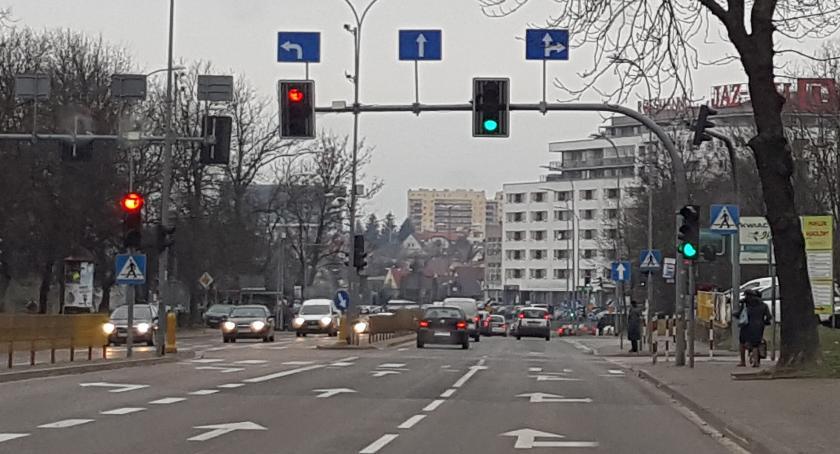 Moto, Polacy kupują używane coraz młodsze lepsze modele - zdjęcie, fotografia