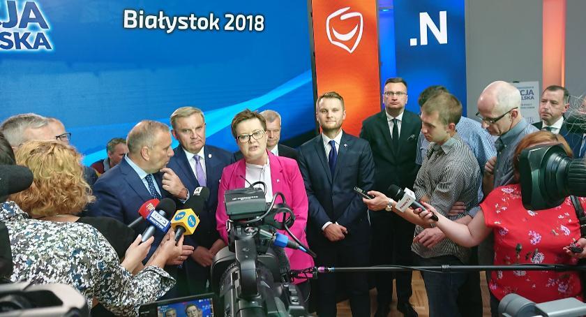 Wiadomości, Warszawa zjechała żeby poprzeć prezydenta który realizować celów Warszawy - zdjęcie, fotografia