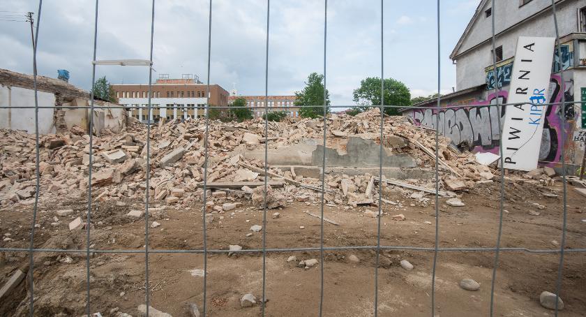 Wiadomości, Program ochrony zabytków praktyce Dziura dziurze dziurą pogania - zdjęcie, fotografia