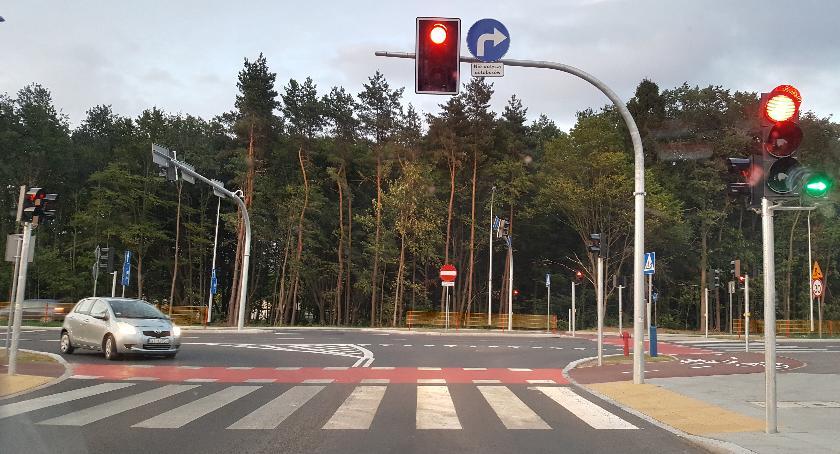 Moto, Żeby skręcić trzeba skręcić prawo Czyli kolejne absurdy drogowe Wiosennej - zdjęcie, fotografia