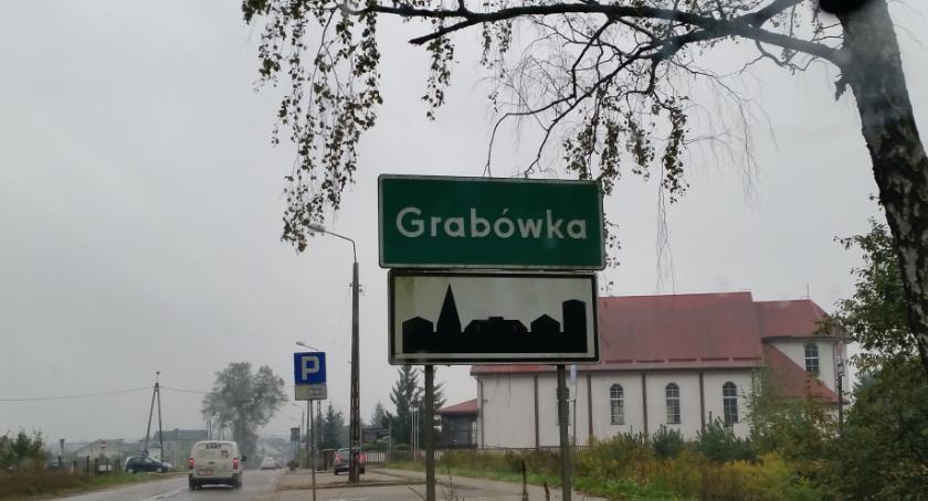 Wiadomości, Około Grabówka poczeka rozpatrzenie skargi sprawie swojej gminy - zdjęcie, fotografia
