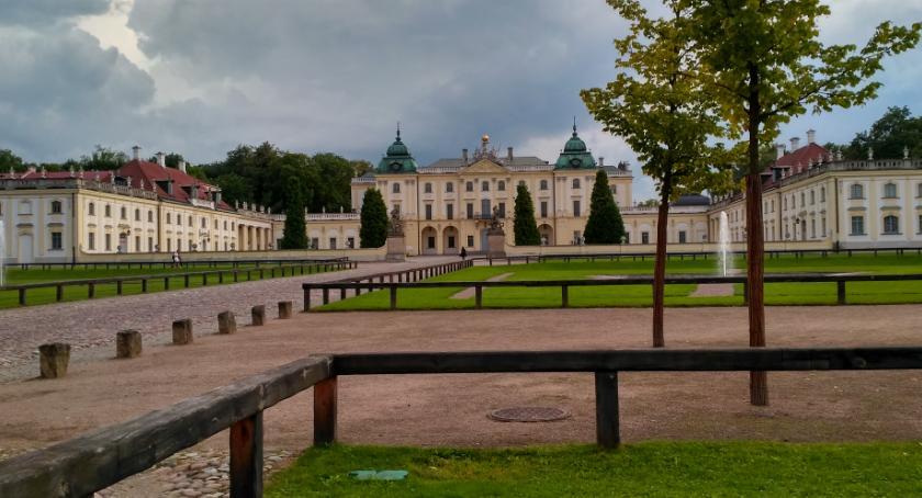 Styl Życia, Rynek Kościuszki Pałac Branickich miejsca najchętniej odwiedzane przez turystów - zdjęcie, fotografia