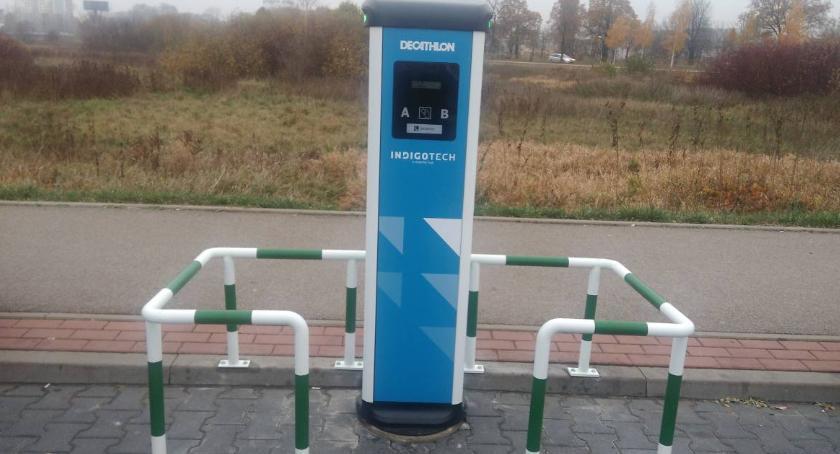 Moto, Białystok wreszcie punkt ładowania elektrycznych - zdjęcie, fotografia