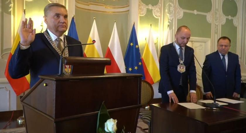 Wiadomości, Tadeusz Truskolaski zaprzysiężony został czwarty - zdjęcie, fotografia