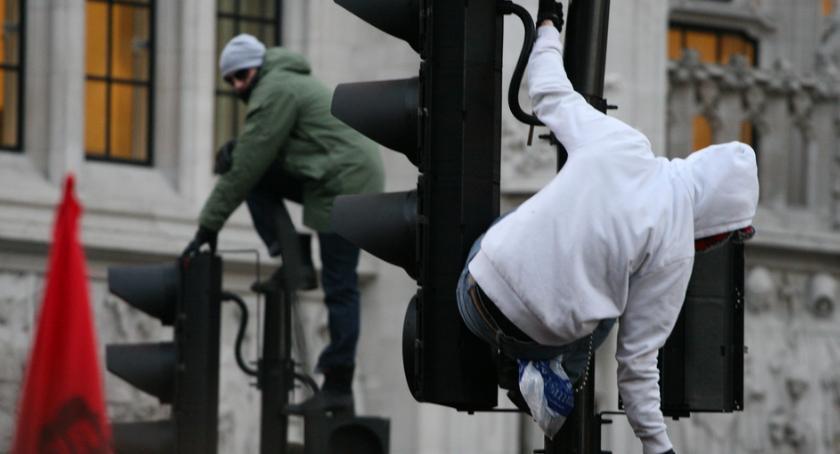 Styl Życia, Millenialsi słabo nadają pracy - zdjęcie, fotografia