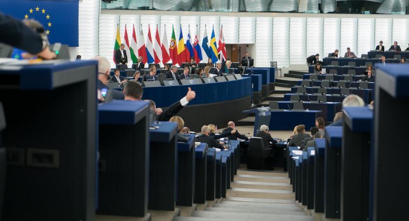 Wiadomości, Europejska zlikwidowała część biurokracji Obywatele będą mieli łatwiej - zdjęcie, fotografia