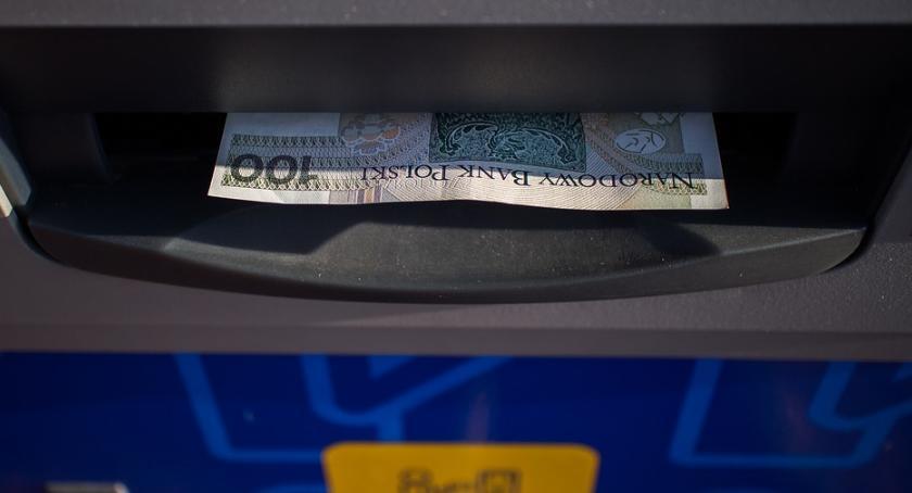 Wiadomości, Podlascy emeryci wybierają przelewy rachunki bankowe - zdjęcie, fotografia