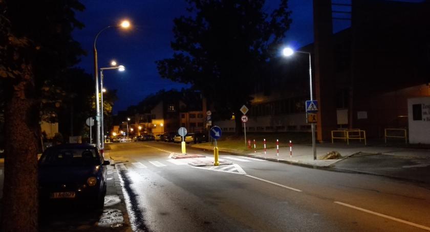 Wiadomości, oświetlenie zarząd województwa przeznaczył ponad miliony złotych - zdjęcie, fotografia
