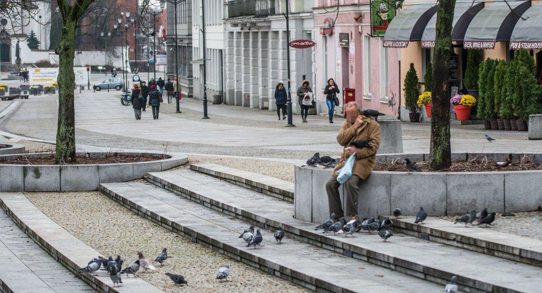 Wiadomości, Życie białostockich seniorów miało poprawić działa zespół Tylko Seniorzy wiedzą - zdjęcie, fotografia
