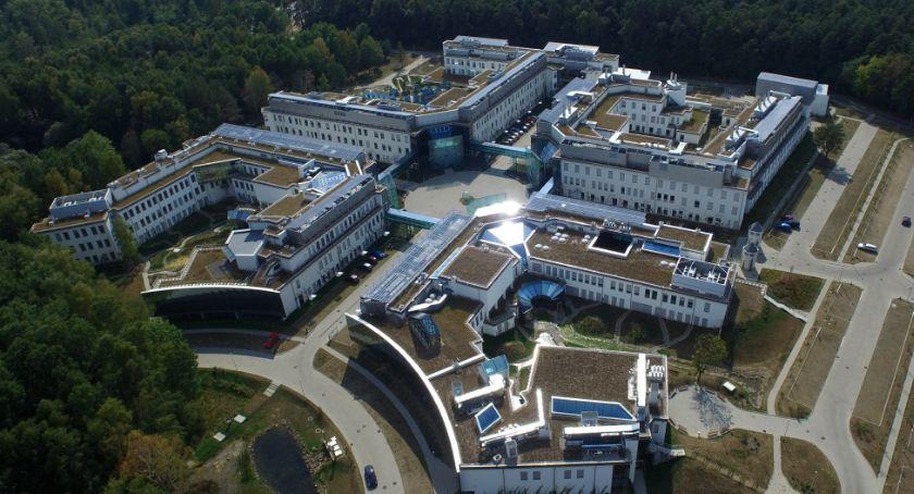 Wiadomości, Uniwersytet rozpoczyna budowę biblioteki - zdjęcie, fotografia