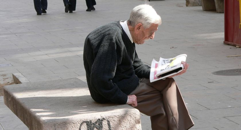 Wiadomości, Coraz więcej podlaskich emerytów aktywnych zawodowo - zdjęcie, fotografia