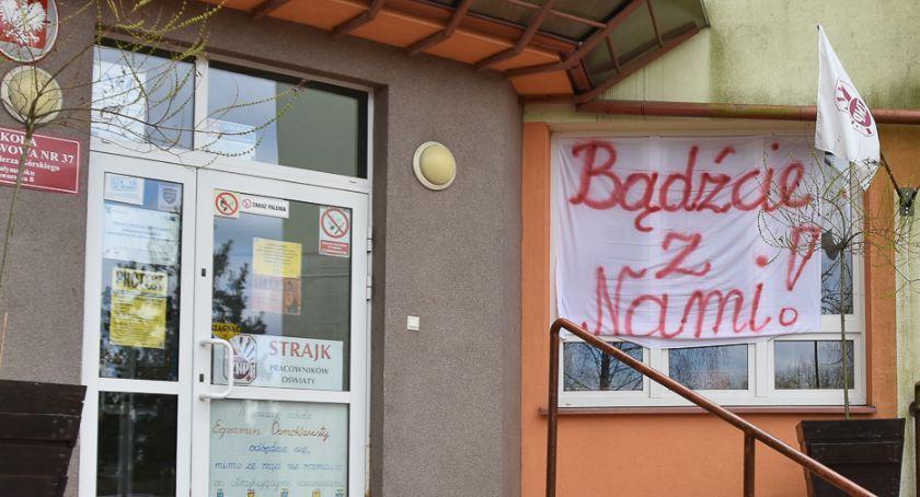 Wiadomości, strajku nauczycieli zyskał rząd Stracili najwięcej uczniowie nauczyciele - zdjęcie, fotografia