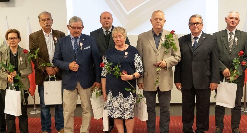 Wiadomości, Walczyli komuną zostali uhonorowani - zdjęcie, fotografia