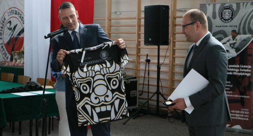 Wiadomości, Minister sportu uhonorował Pawła Baranowskiego białostockiego Huzara - zdjęcie, fotografia