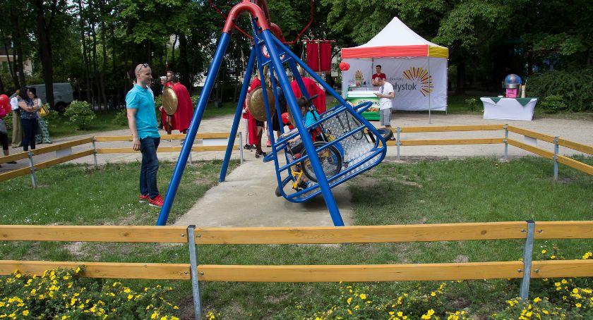 Co, gdzie, kiedy?, Parku Planty działa huśtawka dzieci niepełnosprawnych - zdjęcie, fotografia