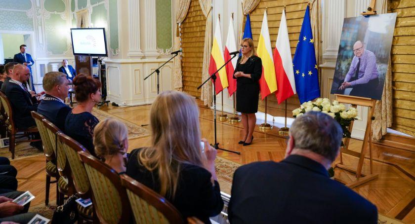 Wiadomości, Paweł Adamowicz oficjalnie został Honorowym Obywatelem Białegostoku - zdjęcie, fotografia