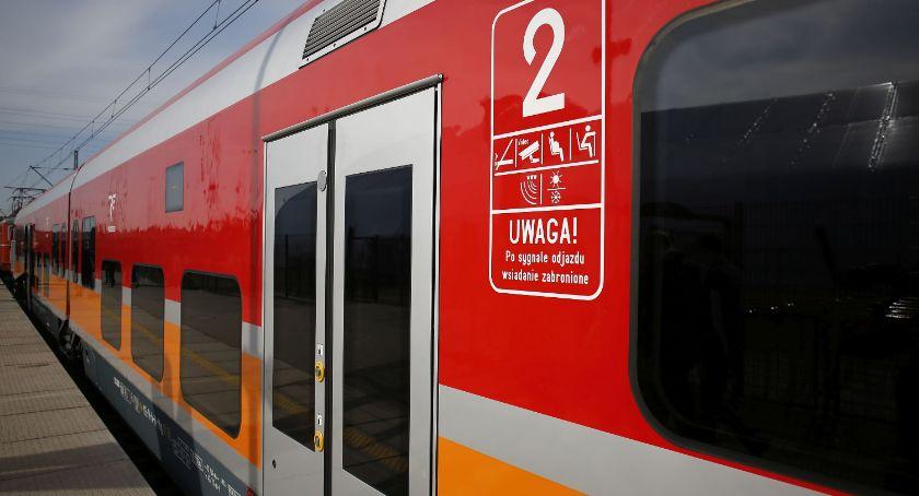 Co, gdzie, kiedy?, Kupując bilet pociągu trzeba mieć gotówki Wystarczy karta - zdjęcie, fotografia