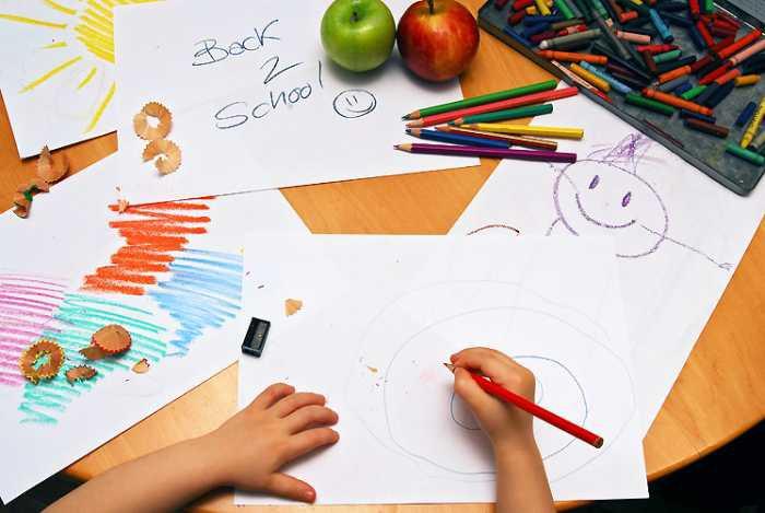 Wiadomości, przedszkola szkoły jeszcze przez tydzień - zdjęcie, fotografia