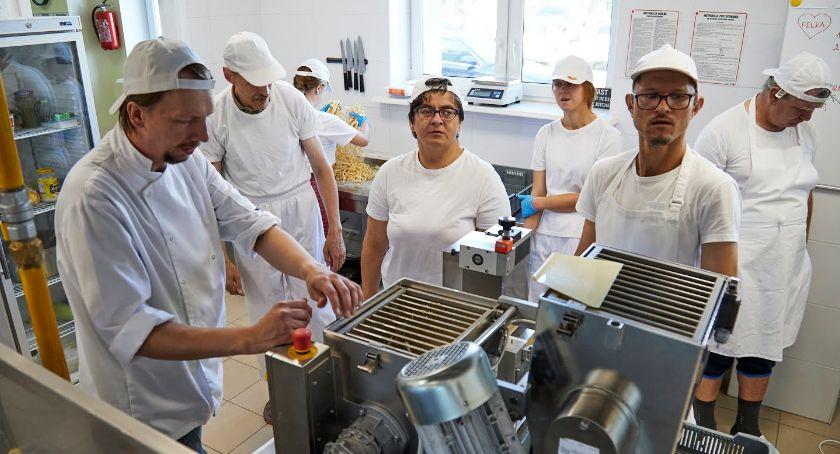 Wiadomości, Będą produkować makaron zatrudniać niepełnosprawnych - zdjęcie, fotografia