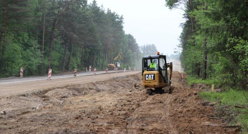 Wiadomości, Drogowcy zawzięcie pracują kolejnym odcinku Baltici - zdjęcie, fotografia