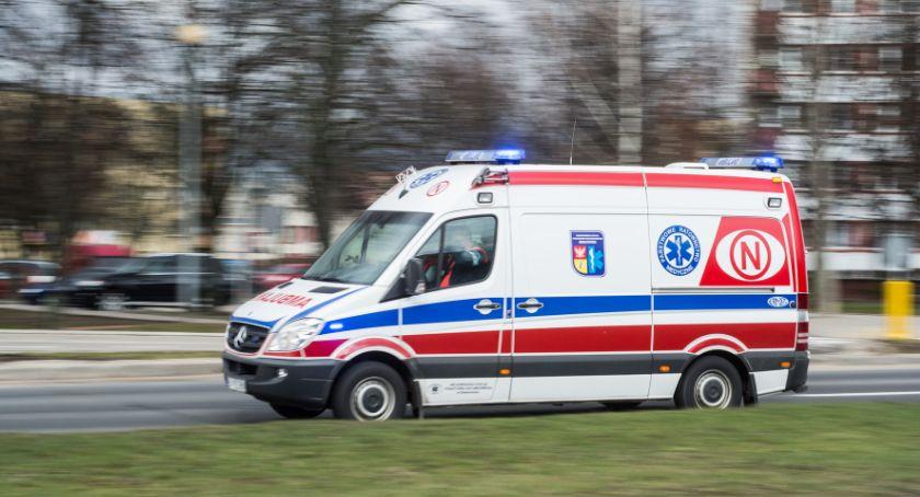 Wiadomości, Ministerstwo zdrowia zdecydowało wymianie ambulansów - zdjęcie, fotografia