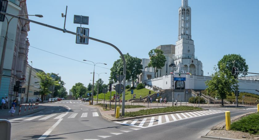 Wiadomości, Aleja Lipowa mogłaby pomnikiem przyrody ale… - zdjęcie, fotografia
