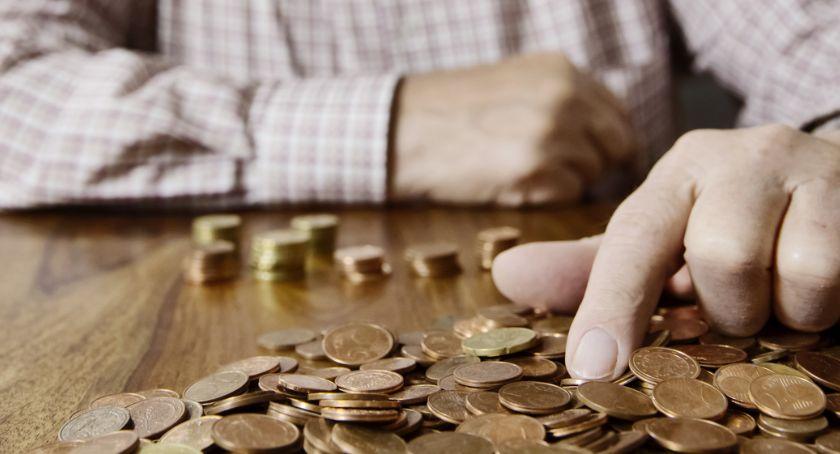 Wiadomości, Podlascy emeryci coraz częściej wybierają przelew listonosza - zdjęcie, fotografia