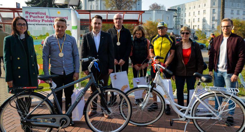 Wiadomości, Białostoczanie wykręcili tysiące kilometrów rowerach - zdjęcie, fotografia