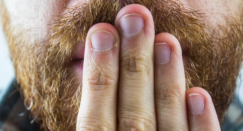 Styl Życia, częsta czkawka objaw choroby - zdjęcie, fotografia