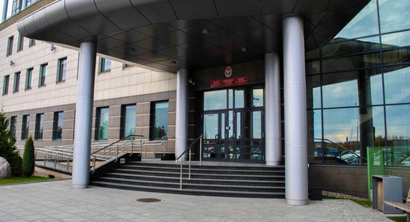 Wiadomości, Nożownik który zaatakował kobiety odpowie przed sądem - zdjęcie, fotografia