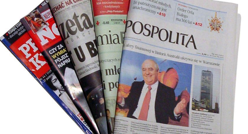 Styl Życia, Zmierzch prasy lokalne dzienniki słabną czytelnictwo książek wzrasta - zdjęcie, fotografia