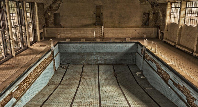 Wiadomości, Ściany nowym białostockim basenie stoją - zdjęcie, fotografia