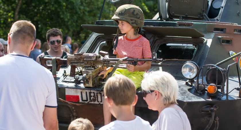 Styl Życia, Młody człowieku wybierz patriotyczne działania zamiast narzekania - zdjęcie, fotografia