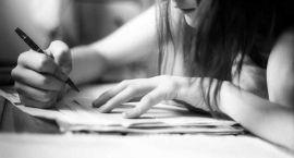 Studenci pomogą odrobić lekcje