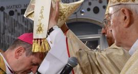 Nowy biskup już jest. Święcenia przyjął Tadeusz Wojda