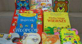 Niemal tysiąc książek trafi do domów dziecka i szpitali