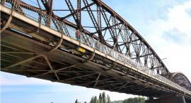 Powstaje nowy kolejowy most nad Bugiem