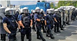 Gorąco w Białymstoku. Marsz wysokiego ryzyka stał się faktem, zaatakowano policjantów