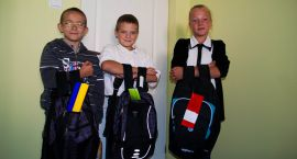Dzieci dostały tornistry pełne uśmiechu