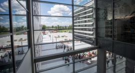 Wielu Polaków studiuje za granicą. W Polsce studentów zza granicy jest niewielu