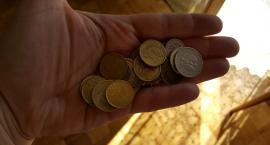 Polacy lubią oszczędzać. Niestety, na drobiazgach