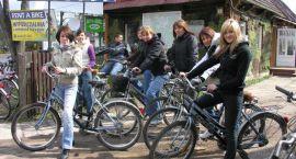 Międzynarodowa młodzież na warsztatach w Białowieży
