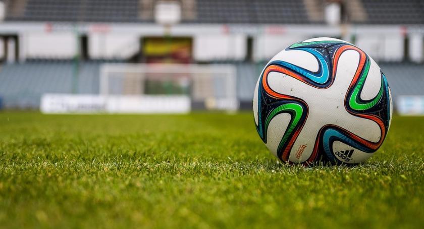 Piłka nożna, Grochowa Turynu sąsiad przed nowym wielkim wyzwaniem - zdjęcie, fotografia