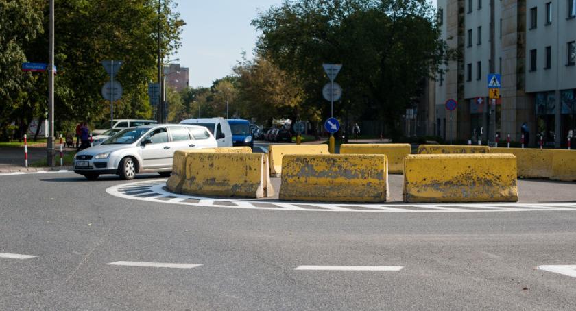 Ulice, Remont ronda chodników ścieżki rowerowe spore zmiany Grochowie - zdjęcie, fotografia