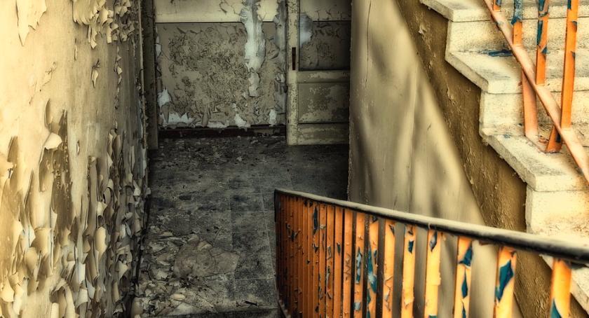 Bezpieczeństwo, zrobić hałaśliwymi sąsiadami Problematyczni Ukraińcy Grochowie - zdjęcie, fotografia