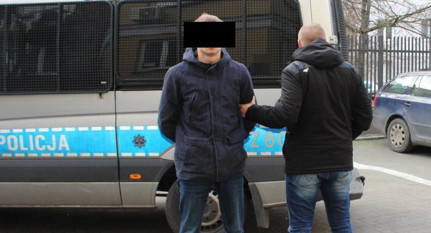 Bezpieczeństwo, Spowodował kolizję pijanemy chciał łapówkę końcu zaatakował policjanta - zdjęcie, fotografia