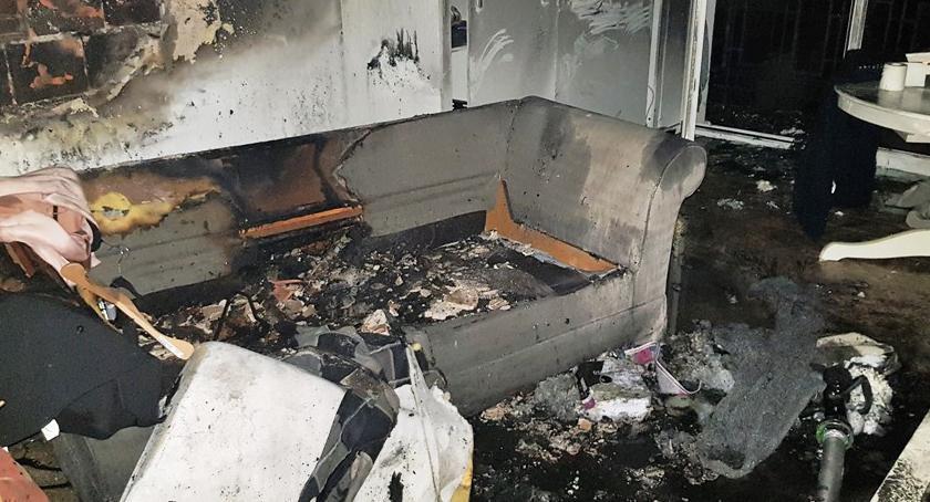 Bezpieczeństwo, Pożar mieszkania Grochowskiej Zdjęcia straży - zdjęcie, fotografia