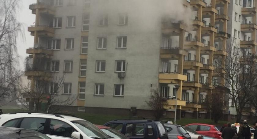Bezpieczeństwo, Pożar mieszkania Gocławiu Jedna osoba szpitalu - zdjęcie, fotografia