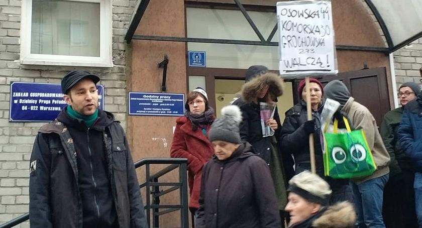 Mieszkalnictwo, Żądają życia godnych warunkach kolejny protest lokatorów - zdjęcie, fotografia
