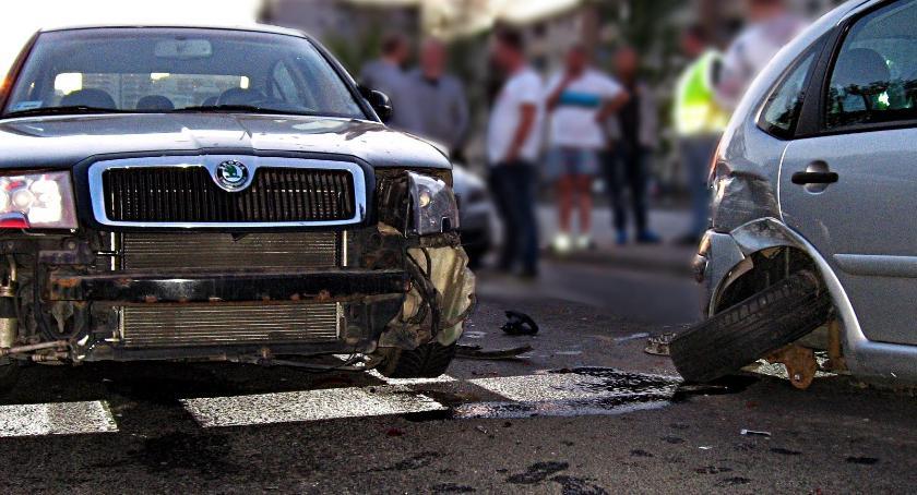 Wypadki, Zderzenie trzech Grochowskiej [ZDJĘCIA] - zdjęcie, fotografia